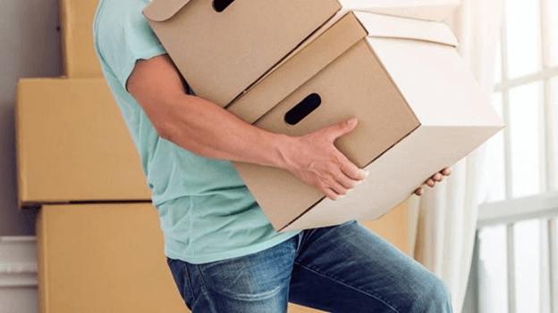 Bê vác nặng cũng là nguyên nhân gây đau lưng
