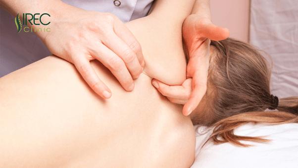 Điều trị bệnh cong vẹo cột sống tại IREC