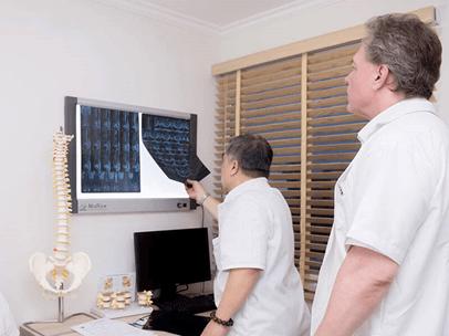 Điều trị viêm quanh khớp vai áp dụng công nghệ khoa học hiện đại