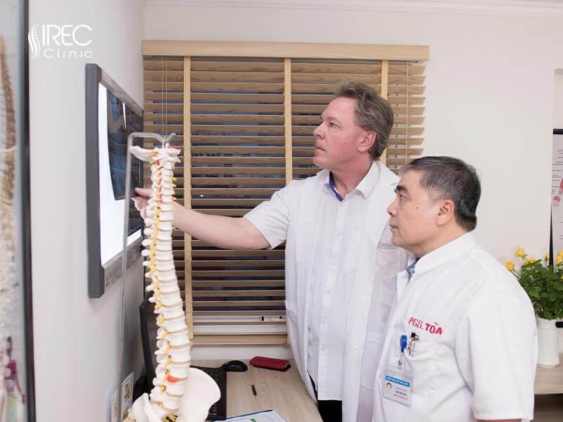 Đội ngũ chuyên gia với nhiều năm kinh nghiệm về xương khớp