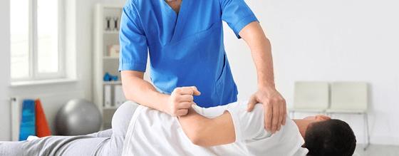 Phòng khám IREC chữa đau lưng áp dụng vật lý trị liệu hiện đại