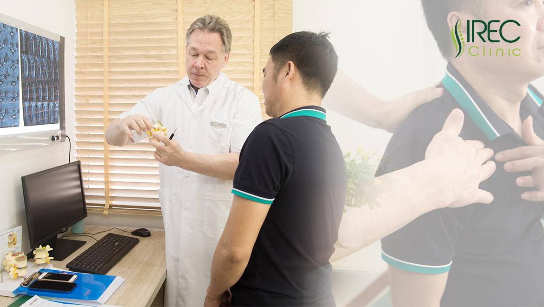 Bác sĩ KimBall Brian John điều trị Đau thần kinh tọa bằng Chiropractic