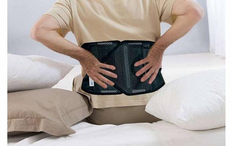 Hỗ trợ định hình cột sống là công dụng chính của đai đeo thoát vị đĩa đệm